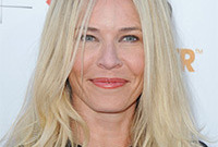 How-to-get-hair-and-makeup-like-chelsea-handler-side